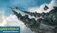 Flugzeugabgase über der Rummelsburger  Bucht inBerlin