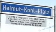Bierstadt, Hochschulstadt, Autostadt, Märchenstadt, bald auch eine Helmut-Kohl-Stadt?