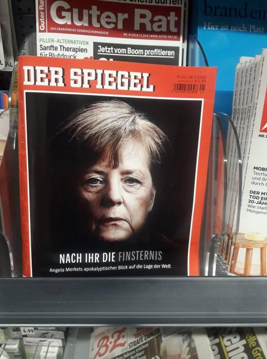 Merkel Fürstin der Finsternis